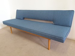 Retro design kanapé felújítva