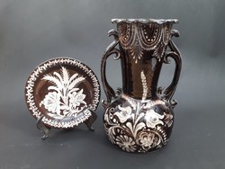 HMV hódmezővásárhelyi Kincses és MS fekete-fehér népi mintás kerámia váza és tányér