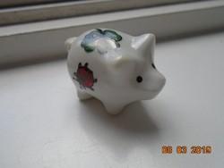 Szerencse malac miniatűr fűzhető porcelán, katicabogárral