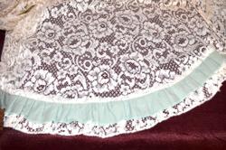 Nagy méretű csipke asztal terítő ( kerek )  ( DBZ 00113 )