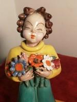 Rahmer kerámia figura, virágos lány