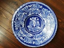 Gyönyörű gazdagon díszített kék fehér pünkösdi rózsa virágos mázas kerámia falitányér