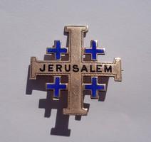 Jeruzsálemi aranyozott ezüst tűzzománcos kereszt bross