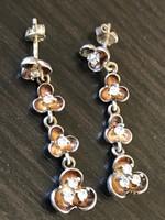 Lógós virágos ezüst fülbevaló 925