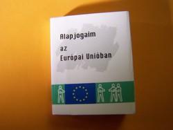 Minikönyv! Méretei: 2,5 cm x 3,0 cm 88 oldal      Alapjogaim az Európai Unióban
