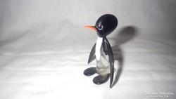 Üveg pingvin szobor