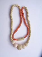 Vörös és fehér korall nyaklánc