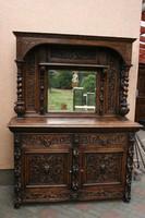 Reneszánsz tükrös szekrény
