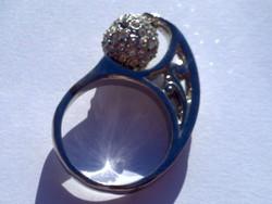 Ezüstözött szecessziós motívumos shambala gömbös cirkónia drágaköves szép gyűrű ezüst