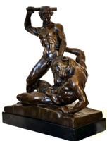 Theseus legyőzi a Minotauruszt - mitológiai bronz szobor