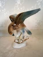 Nagyon ritka német GDR Lippelsdorfi porcelán menyétet fogó sas madár