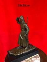 Orosz bronzszobor , Sielő katona