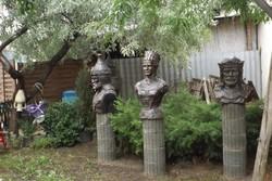 Ritka szobor park 8db mellszobor gyűjtemény István Sisi Mátyás Árpád Attila IV Béla király
