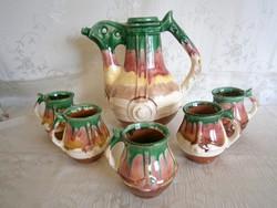 Kézzel készült, egyedi nagyon régi kerámia boros készlet: nagy csőrős kancsó és 5 füles pohár