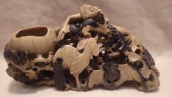Zsírkő szobor sok állattal