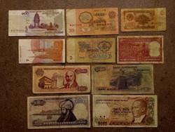 10 db külföldi vegyes bankjegy (id7728)