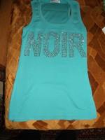 ÁRON ALUL! DIVATOS STRASSZAL DÍSZÍTETT világos kék póló, ÚJSZERŰ ÁLLAPOTBAN