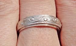 5 mm. széles, mintás ezüst gyűrű