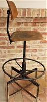 Hatalmas , különleges müszerész szék ipari loft ,Retró design 130cm magas.