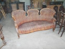 Hármas tagozású Barokk kanapé