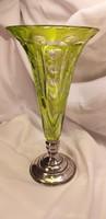Nagy méretű zöld kristály váza ezüst talpon