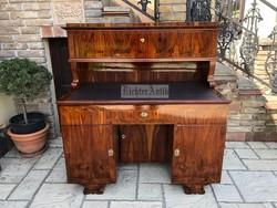 Felújított, intarziás Danhauser Biedermeier író asztal.