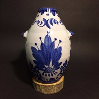Régi keleti kézzel festett kék-fehér kerámia szignózott váza