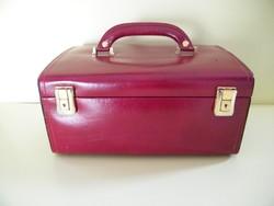 Burgundi vörös bőr bevonatos tükrös, kulccsal zárható ékszertartó doboz, bőrönd