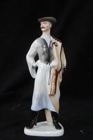 Aquincumi porcelán betyár figura