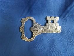 Régi fém retro kulcs formájú sörbontó pilsner urquell