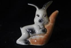 Porcelán nyuszi figura