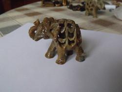 Szerencsehozó faragott kő elefánt 2.