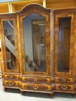 Igényesen felújított dolgozószoba-bútor csak egyben eladó
