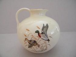 Madaras, vadkacsás kis porcelán váza, kiöntő