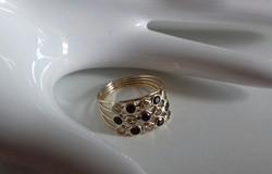 14 karátos,köves,dekoratív arany gyűrű