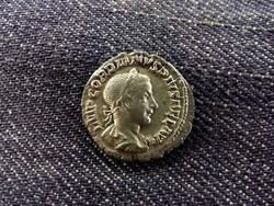 III. Gordianus Dénár 238-244 PIETAS AVGVSTI/id 8456/
