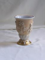 Régi ritka dombormintás Von Schierholz puttós porcelán kehely.