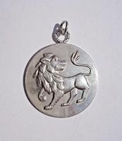 Ezüst oroszlán medál