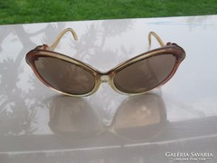 Retro desing női szemüveg valóban az '50-60-as évekből hibát