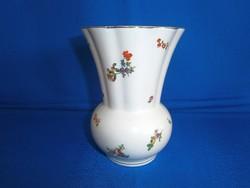 Nagyon régi és ritka Kispesti porcelán váza gyönyörű virág mintával 13 cm magas