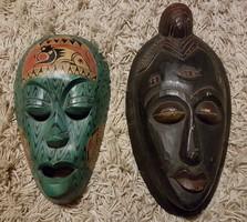 Festett faragott fa maszk pár