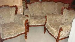 Faragott barokk,stílusban nagyon jó állapotú,ülőgarnitúra.