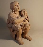 Anya gyermekével kerámia