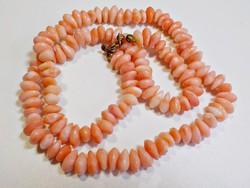 Rózsaszín korall hatású műanyag nyaklánc
