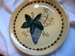 Nagy Beyer szőlő mintás kézműves fali tányér