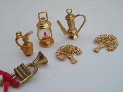 Mini fém tárgyak (kancsó, lámpás, trombita....) 7db