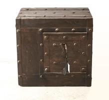 XIX. századi  antik trezor, széf