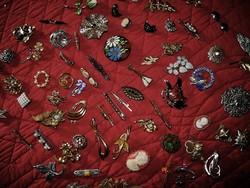 72 darab régi bross egyben NINCS MINIMÁLÁR !!!