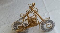 Gyönyörű, fémszálból készült motor makett eladó!