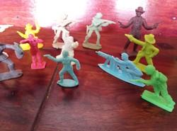 Retro Játékfigurák